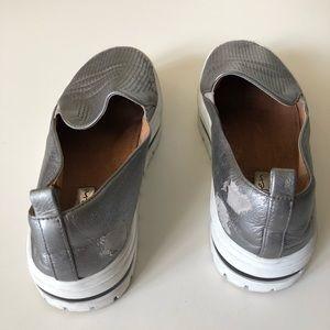 aa11215e482 Halogen Shoes - Halogen metallic Teagen Sneaker Platform